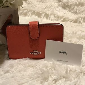 New Coach Coral/ Silver Medium Corner Zip Wallet